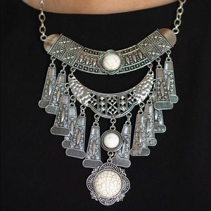 Sahara Royal Necklace and Earrings